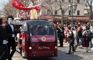 В Одессе стартовал парад клоунов на  электромобилях (ФОТО)