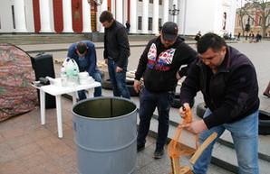 Сторонники Саакашвили устроили палаточный городок на Думской с требованием снять Труханова (ФОТО)