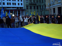 В центре Одессы на Греческой почтили память погибших 2 мая (ФОТО, ВИДЕО)