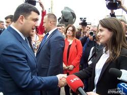 Гройсман и Саакашвили побывали на морвокзале, который превращают в таможню (ФОТО)