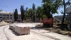 Одесскую Старосенную площадь закладывают тротуарной плиткой (ФОТО)