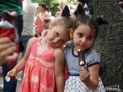 Холодный рекорд: в Одессе одновременно съели тысячу порций мороженого (ФОТО)