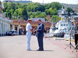 Президент в Одессе произвел главкома ВМС в вице-адмиралы и дал новые имена боевым кораблям (ФОТО, ВИДЕО)