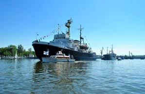 День ВМС в Николаеве: корабли на Южном Буге (ФОТО)