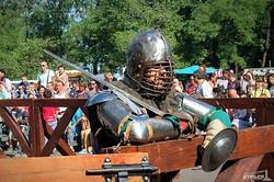 Одесский средневековый фестиваль: камера пыток и рыцарское ристалище (ФОТО)