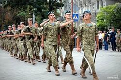 Одесские политики и военнослужащие возложили цветы к памятнику Шевченко (ФОТО)