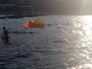 Одеские морские пограничники оказали помощь кайтсерферу