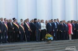 День города в Одессе: на Думской торжественно подняли флаг (ФОТО)