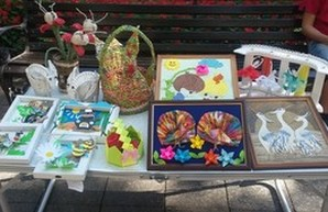 На Приморском бульваре в Одессе прошла выставка детского творчества