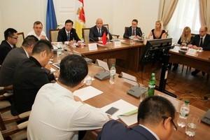Китайская компания намерена инвестировать в строительство индустриального парка в Одессе