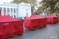 После драк и поджога палаток на Думской началась ярмарка
