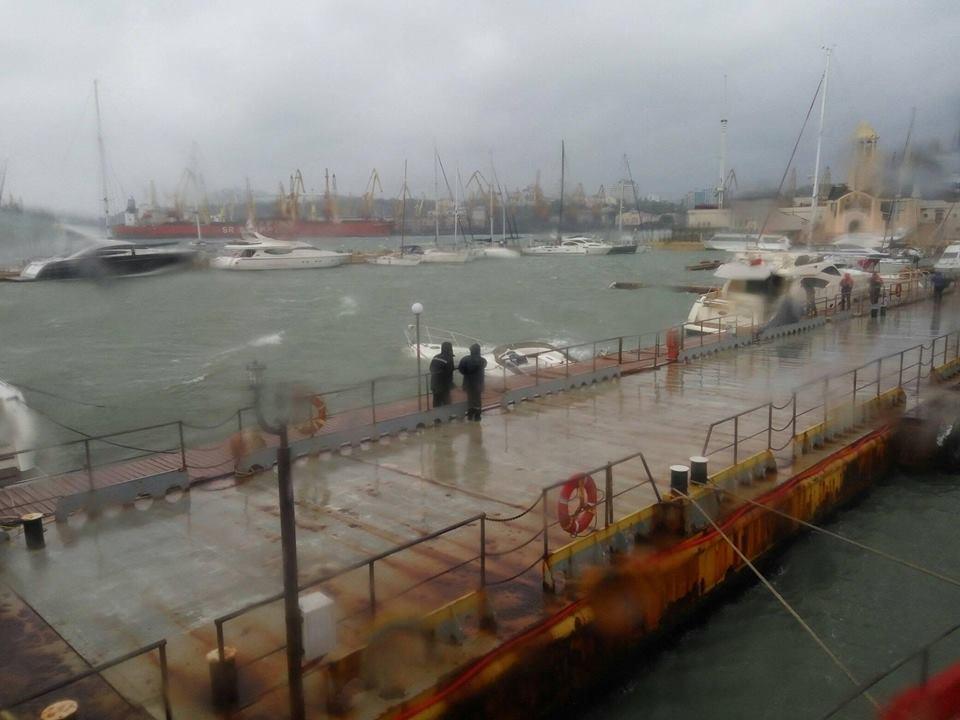 В Одесе затонула яхта Аrtemida