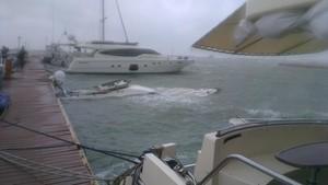 Еще одна яхта затонула в Одессе (ФОТО)