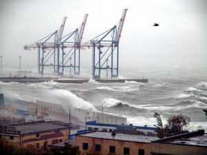 На одесское побережье обрушился шестибалльный шторм (ФОТО)