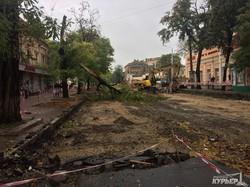 После урагана Чубакка и штурмовики Дарта Вейдера убирают улицы Одессы (ФОТО)