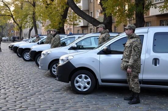 Сотрудники Одесского управления  СБУ получили спецавтомобили и ордера на квартиры