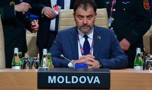 """Порошенко согласен на создание """"зеленого коридора"""" для российских войск. Министр обороны Молдовы едет в Одессу"""