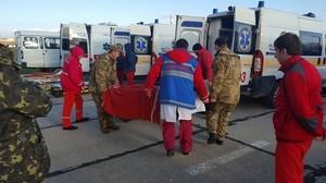 В Одессу прибыл борт с ранеными на Донбассе солдатами (ФОТО)