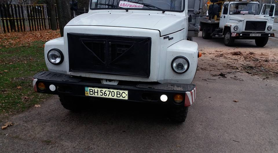Одесские активисты проверили законность уничтожения деревьев на Французском бульваре