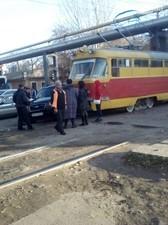 В Одессе иномарка влетела в трамвай