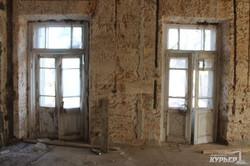Незаконная стройка на Французском бульваре: депутаты горсовета проверили, что делается в бывшем санатории имени Чувырина (ФОТО, ВИДЕО)