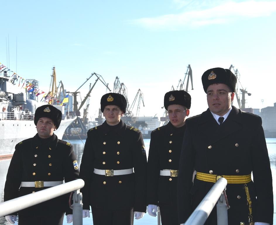 """Бронированные артиллерийские катера """"Аккерман"""" и """"Бердянск"""" включили в состав ВМС"""