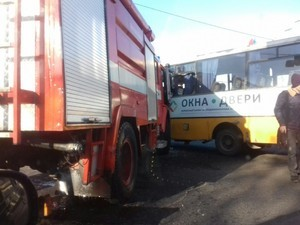 ДТП в Одессе: водитель маршрутки не пропустил пожарную машину (ФОТО)