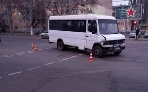 """Опять в Одессе """"подрезали"""" маршрутку"""
