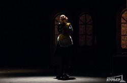"""В одесском Украинском театре показали """"Шикарную свадьбу"""" (ФОТО)"""