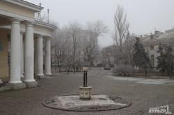 Туман укутал Одессу: Приморский бульвар и морвокзал (ФОТО)