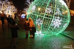 Новогодняя Одесса в огнях и ярких красках (ФОТО)