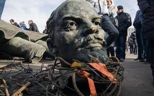 Декоммунизация в Украине: демонтировали 1320 памятников Ленину и переименовали 51 493 улицы