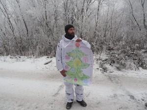 Новый год в АТО: Санта Клаус на БТР, снеговик-разведчик и взрывоопасные елки (ФОТО)