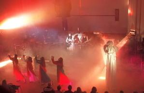 Звук, свет и флёр: в одесской Кирхе прошел рождественский концерт Елены Войнаровской (ФОТО)