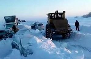 В Одесской области закрыты все дороги, кроме трассы на Киев (ФОТО)