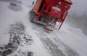 Непогода в Одесской области: из снежных заносов вытащили более 800 автомобилей