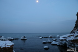 Одесские пляжи покрываются льдом (ФОТО)