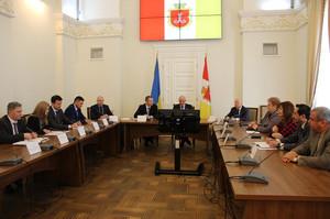 Администрация морских портов хочет разгрузить Одессу от грузовиков