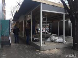 Центр Одессы зачищают от капитальных летних площадок ресторанов (ФОТО)