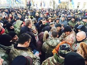 На Майдане произошли столкновения: есть задержанные и пострадавшие (ФОТО, ВИДЕО)