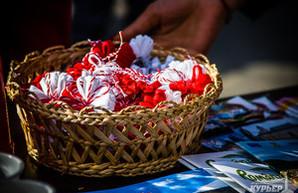 В  Одессе интернационально отметили весенний праздник Мэрцишор (ФОТО)
