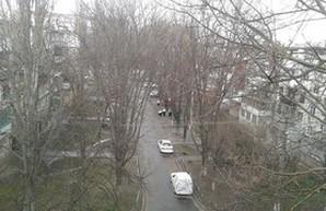 В некоторых районах Одессы прошел град (ФОТО)
