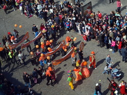 По Одессе идет торжественное шествие Юморины