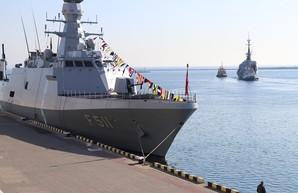 В Одессу вошли турецкие боевые корабли (ФОТО)