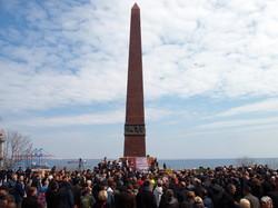 """""""Донбасс, мы с тобой!"""": одесские сепаратисты провели акцию на Аллее Славы и устроили массовую драку (ФОТО, ВИДЕО)"""
