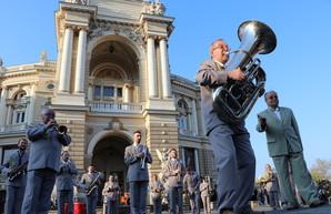 На Театральной площади в Одессе состоялся концерт духовых оркестров