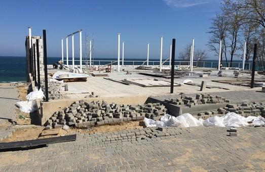 """В Одессе чиновники обнаружили новый нахалстрой около пляжа """"Отрада"""" (ФОТО)"""