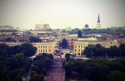 Суд отменил решение горсовета о переименовании одесских улиц