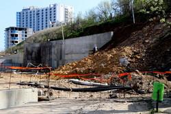 Строительство дороги к высотке у моря в одесской Аркадии угрожает оползнями (ФОТО)