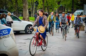 По улицам Одессы колесил ретро-велопробег (ФОТО)